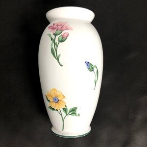 "Tiffany & Co. 9"" flower vase ""Sintra"" pattern"